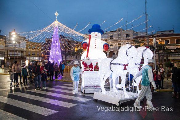 Papá Noel hace su primera parada en Guardamar 77