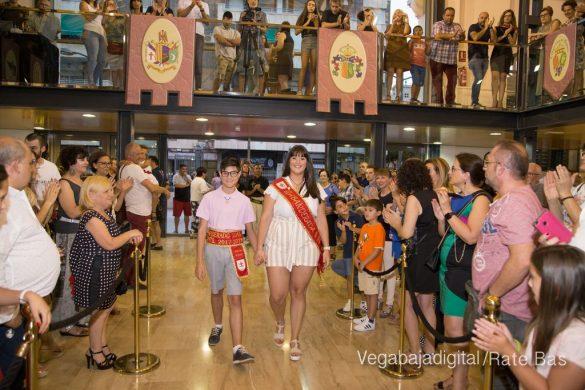 El Ayuntamiento homenajea a los cargos festeros de los Moros y Cristianos 40