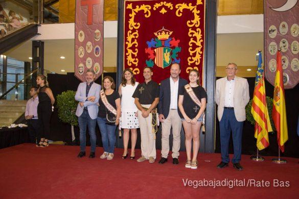 El Ayuntamiento homenajea a los cargos festeros de los Moros y Cristianos 43