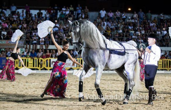 La espectacularidad de los caballos hechiza a los asistentes a FEGADO 18