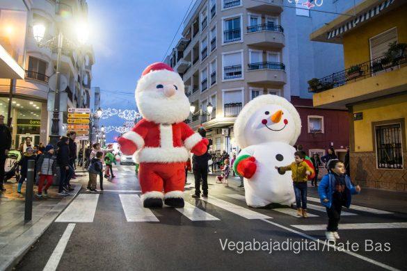 Papá Noel hace su primera parada en Guardamar 71
