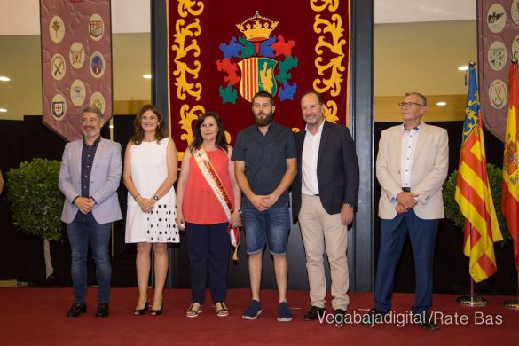 El Ayuntamiento homenajea a los cargos festeros de los Moros y Cristianos 49