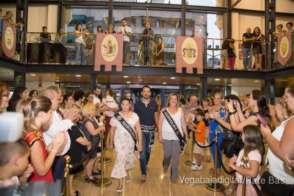 El Ayuntamiento homenajea a los cargos festeros de los Moros y Cristianos 50
