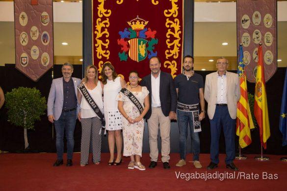 El Ayuntamiento homenajea a los cargos festeros de los Moros y Cristianos 51