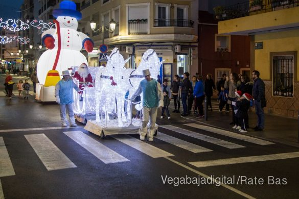Papá Noel hace su primera parada en Guardamar 65
