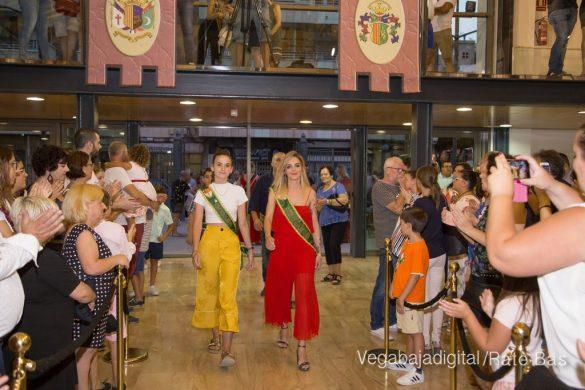 El Ayuntamiento homenajea a los cargos festeros de los Moros y Cristianos 52