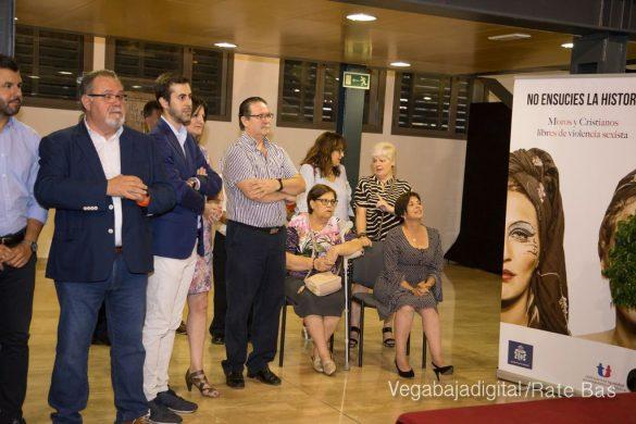 El Ayuntamiento homenajea a los cargos festeros de los Moros y Cristianos 54