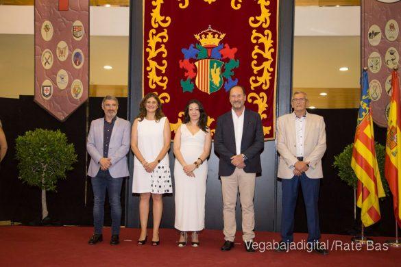El Ayuntamiento homenajea a los cargos festeros de los Moros y Cristianos 56