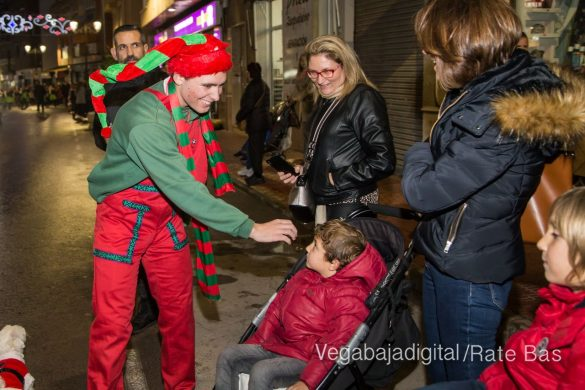 Papá Noel hace su primera parada en Guardamar 59