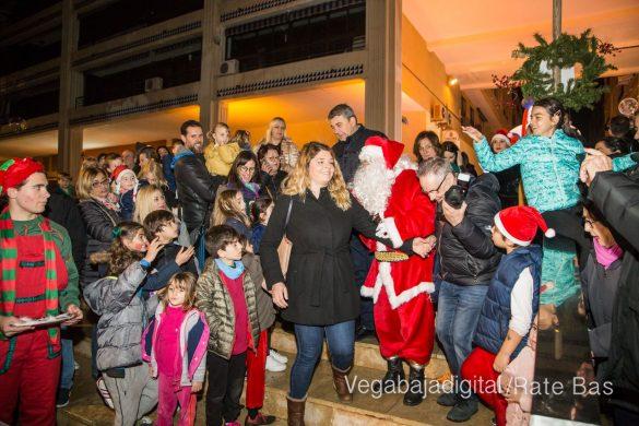 Papá Noel hace su primera parada en Guardamar 41