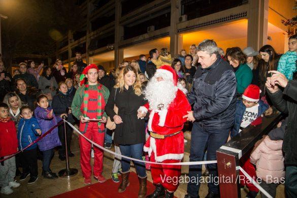 Papá Noel hace su primera parada en Guardamar 39