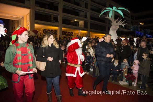 Papá Noel hace su primera parada en Guardamar 36