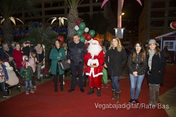 Papá Noel hace su primera parada en Guardamar 35
