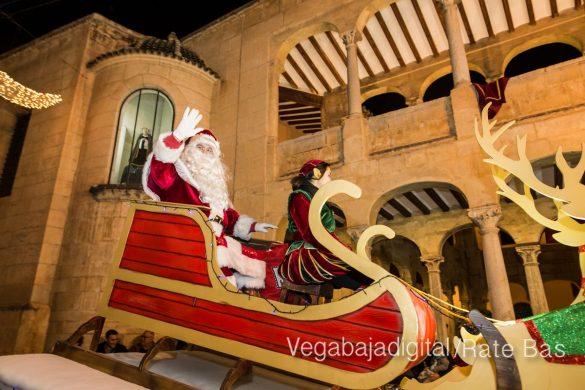 Papá Noel llena de ilusión a Orihuela 12