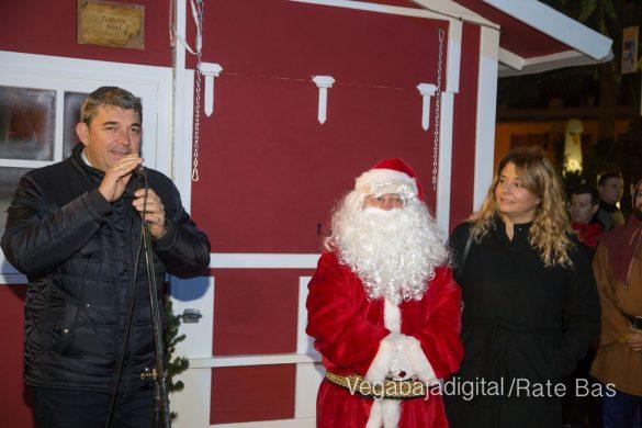 Papá Noel hace su primera parada en Guardamar 30