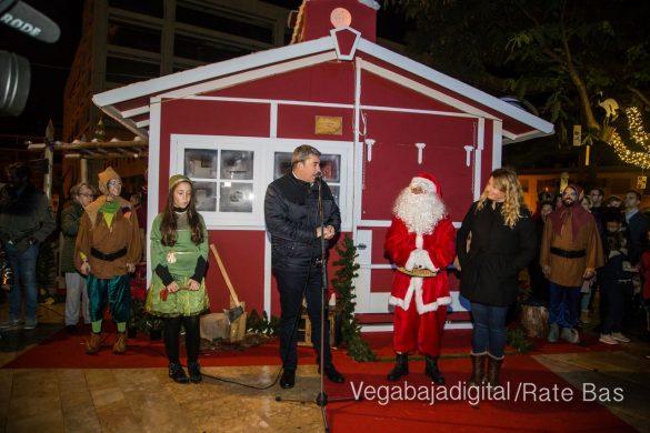 Papá Noel hace su primera parada en Guardamar 29