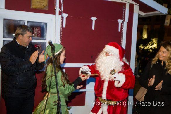Papá Noel hace su primera parada en Guardamar 28