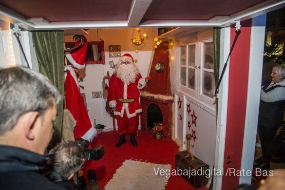 Papá Noel hace su primera parada en Guardamar 26