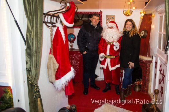 Papá Noel hace su primera parada en Guardamar 25
