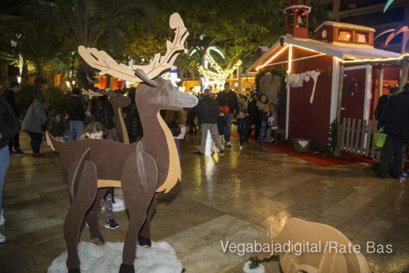 Papá Noel hace su primera parada en Guardamar 21