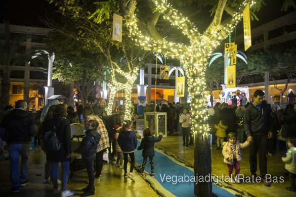 Papá Noel hace su primera parada en Guardamar 19