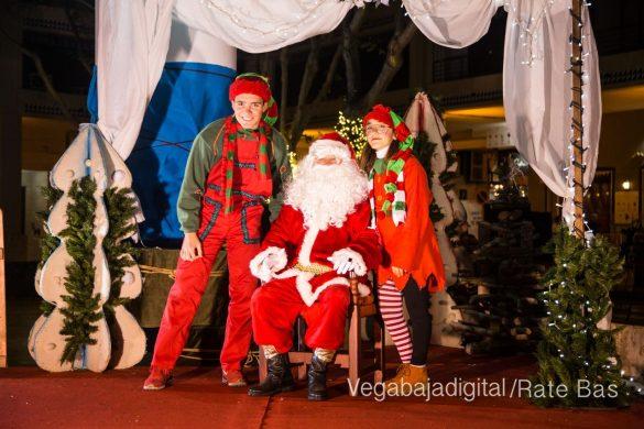 Papá Noel hace su primera parada en Guardamar 16