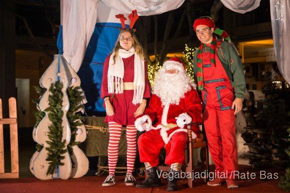 Papá Noel hace su primera parada en Guardamar 15