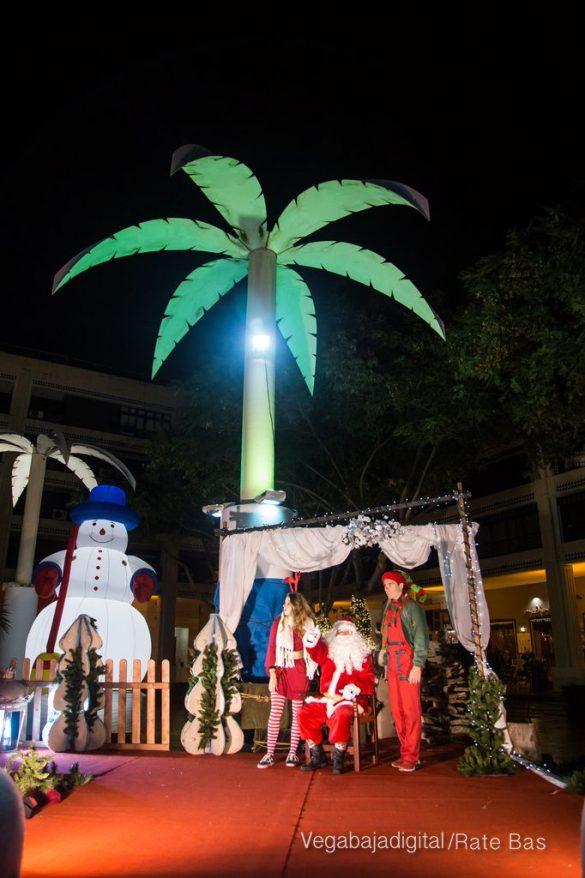 Papá Noel hace su primera parada en Guardamar 14