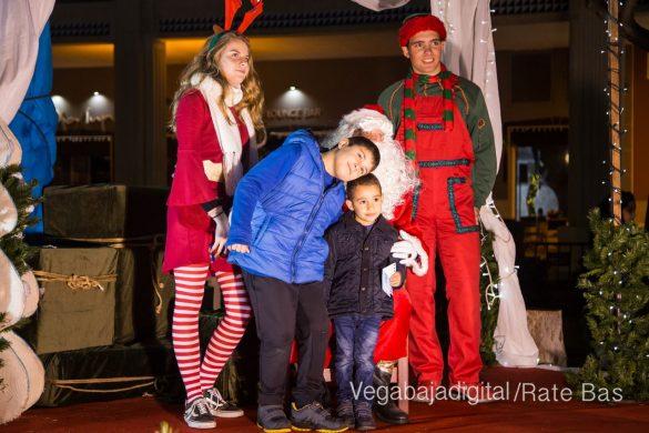 Papá Noel hace su primera parada en Guardamar 13