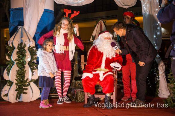 Papá Noel hace su primera parada en Guardamar 12