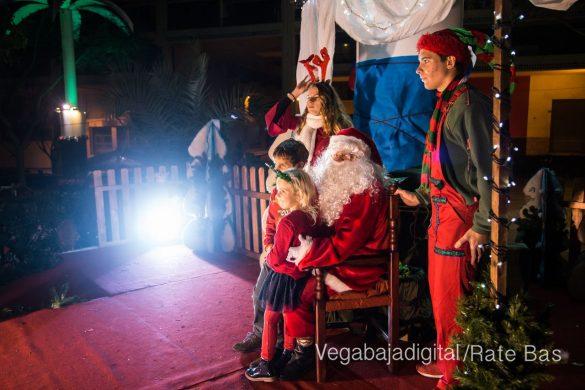 Papá Noel hace su primera parada en Guardamar 11