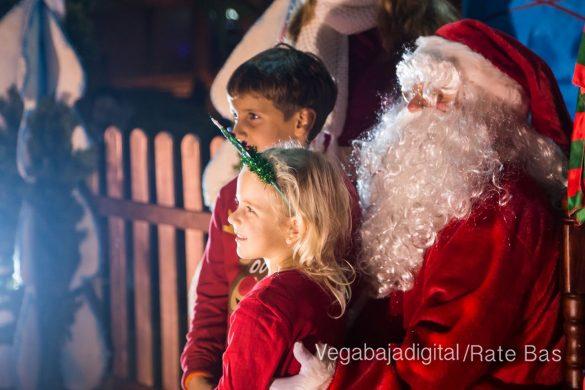 Papá Noel hace su primera parada en Guardamar 10