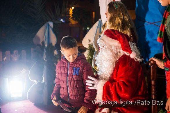 Papá Noel hace su primera parada en Guardamar 9