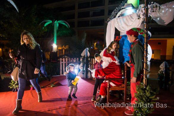 Papá Noel hace su primera parada en Guardamar 8