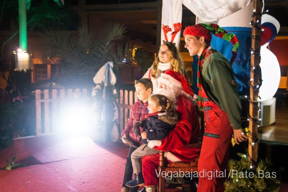 Papá Noel hace su primera parada en Guardamar 7