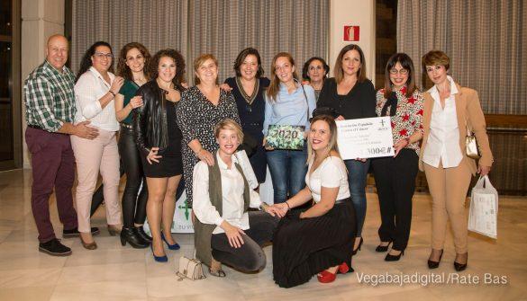 Éxito en la presentación del calendario solidario de AECC Orihuela 113