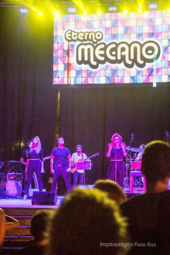 Éxito de Eterno Mecano en Orihuela Costa 56