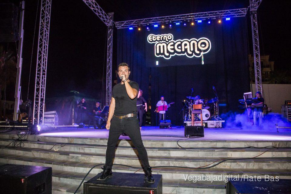 Éxito de Eterno Mecano en Orihuela Costa 6