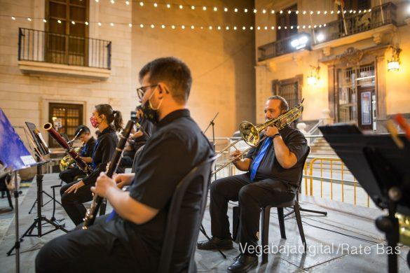 Un concierto a cargo de ACAMDO en honor a la Virgen de Monserrate 11