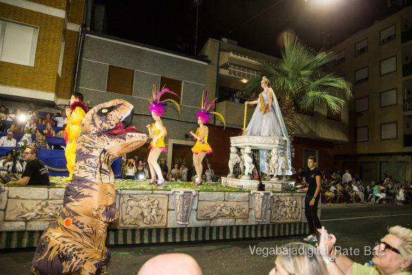 Desfile de carrozas de Jacarilla 85