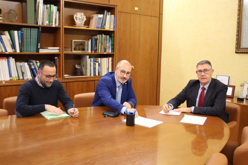 El alcalde de Benejúzar se reúne con el Presidente de la CHS 6
