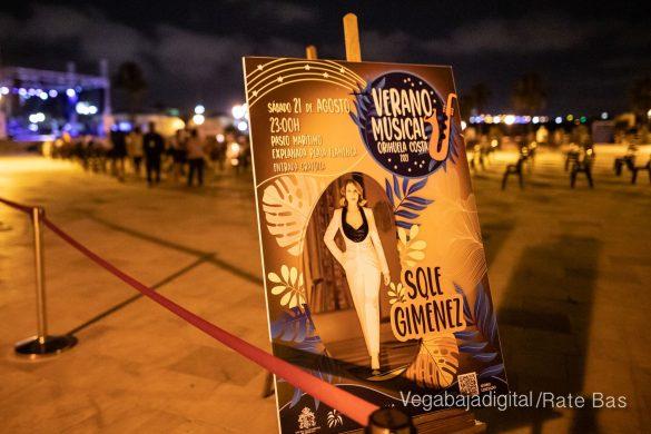 FOTOGALERÍA | Recorrido visual del concierto de Sole Giménez en Orihuela Costa 12