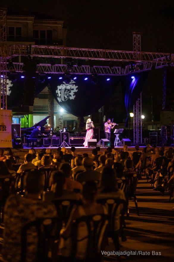 FOTOGALERÍA | Recorrido visual del concierto de Sole Giménez en Orihuela Costa 21