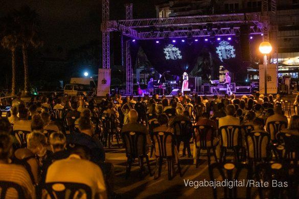 FOTOGALERÍA | Recorrido visual del concierto de Sole Giménez en Orihuela Costa 23
