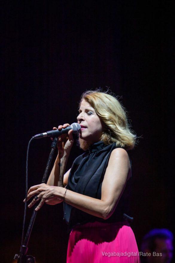 FOTOGALERÍA | Recorrido visual del concierto de Sole Giménez en Orihuela Costa 28