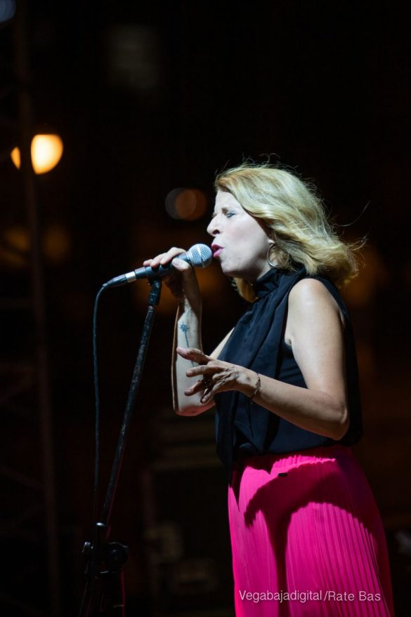 FOTOGALERÍA | Recorrido visual del concierto de Sole Giménez en Orihuela Costa 33