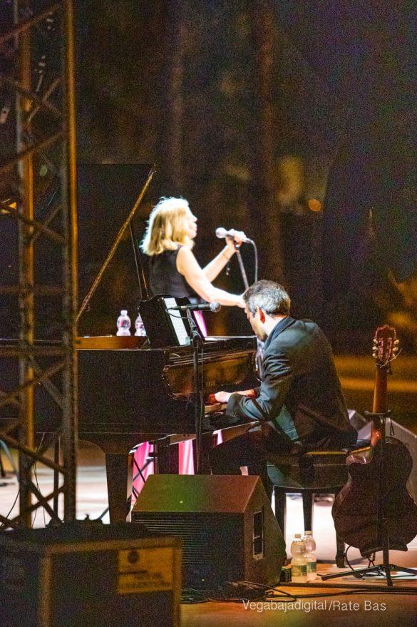 FOTOGALERÍA | Recorrido visual del concierto de Sole Giménez en Orihuela Costa 36