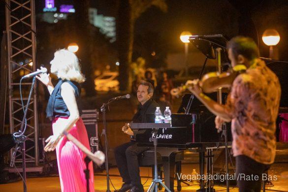 FOTOGALERÍA | Recorrido visual del concierto de Sole Giménez en Orihuela Costa 44