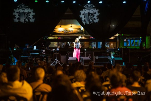 FOTOGALERÍA | Recorrido visual del concierto de Sole Giménez en Orihuela Costa 47