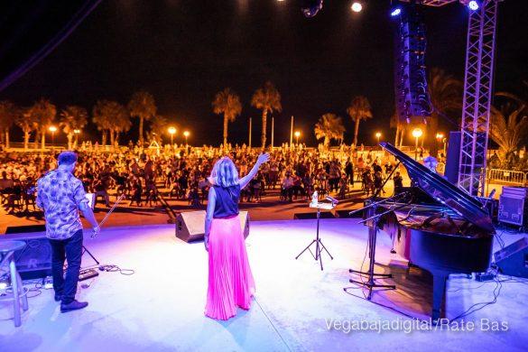 FOTOGALERÍA | Recorrido visual del concierto de Sole Giménez en Orihuela Costa 53